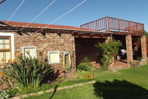 Property & Real Estate Sales - House in REEBOK, LITTLE BRAK RIVER, FRAAIUITSIG, South Africa