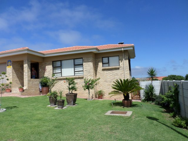 Property & Real Estate Sales - House in Rheebok, Reebok, Garden Route, South Africa
