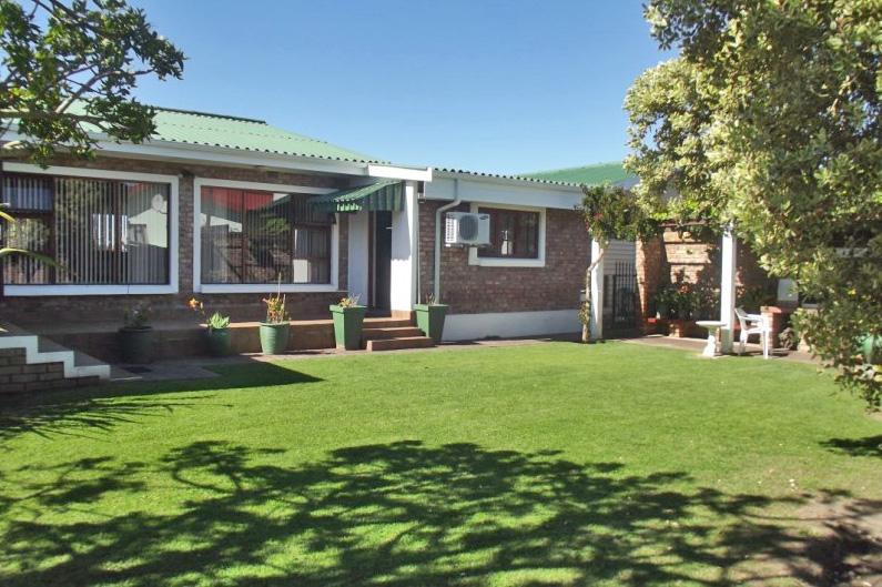 Property & Real Estate Sales - House in Garden Route, Little Brak River, Little Brak River, South Africa