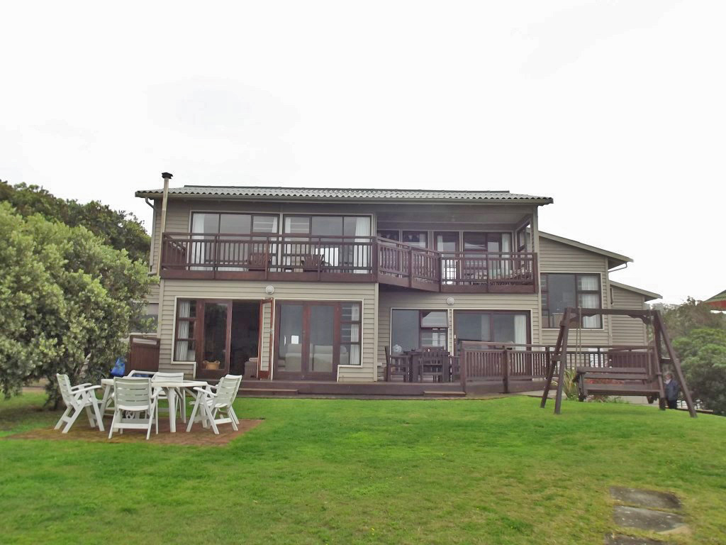 Property & Real Estate Sales - House in Garden Route, Hersham, Hersham, South Africa