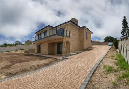 Property & Real Estate Sales - House in Dana Bay, Mossel Bay, Dana Bay, South Africa
