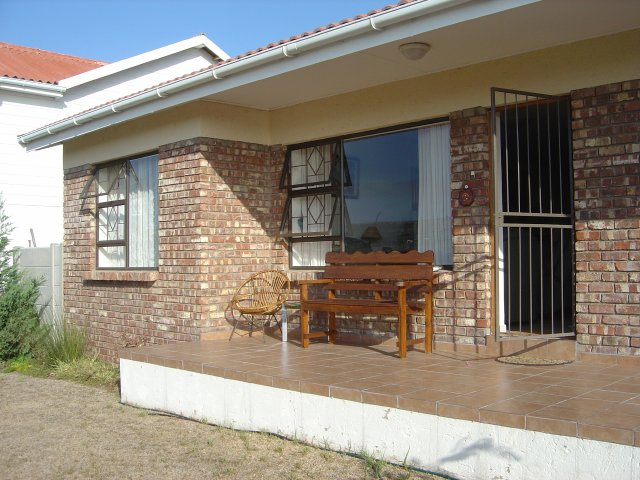 Property & Real Estate Sales - House in Reebok, Klein Brak River, Garden Route, South Africa