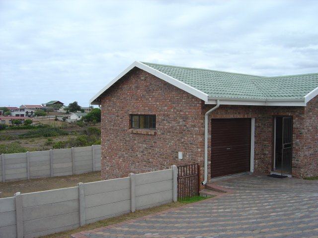 Property & Real Estate Sales - Starter Home in Tergniet, Great Brak River, Garden Route, South Africa