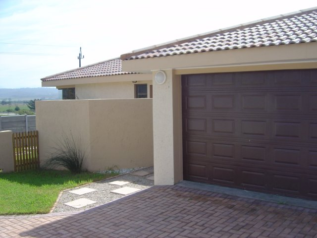 Property & Real Estate Sales - Condominium in Fraaiuitsig, Rheebok, Garden Route, South Africa