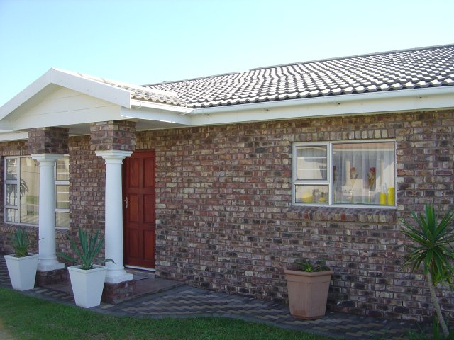 Property & Real Estate Sales - House in Reebokrif, Rheebok, Garden Route, South Africa