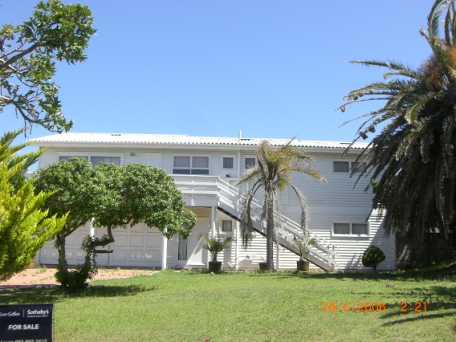 Property & Real Estate Sales - House in Hersham, Mossel Bay, Great Brakriver, South Africa