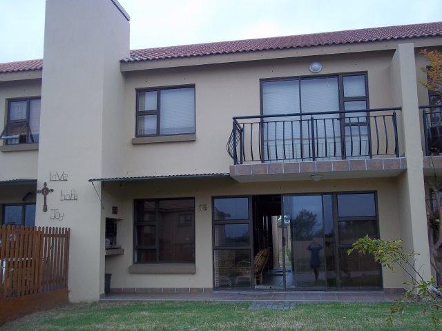 Property & Real Estate Sales - Condominium in Tergniet, Reebok, Garden Route, South Africa